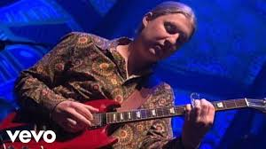 The Derek Trucks Band - Crow Jane (Live) - YouTube