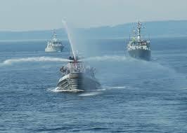 100 Coastal Wenatchee FileUS Navy 090729N9860Y003 The Harbor Tug