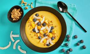 protein smoothie bowl mit mango und ananas