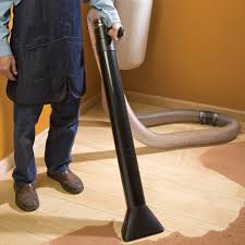 Dust Collector Floor Sweep by Lessons In Woodworking
