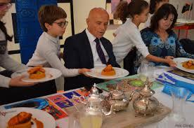 ecole de cuisine pour adulte quand des élèves s initient à la gastronomie et cuisinent pour les