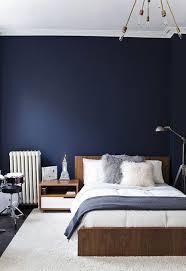 bleu chambre 10 idées de bleu dans la décoration murs bleu foncé murs bleus