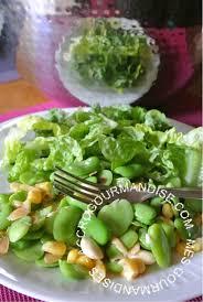 comment cuisiner les f es fraiches salade de fèves fraîches aux amandes le jardin dans notre assiette
