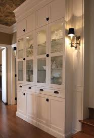 Breakfront Vs China Cabinet by Best 25 Built In Hutch Ideas On Pinterest Built In Buffet