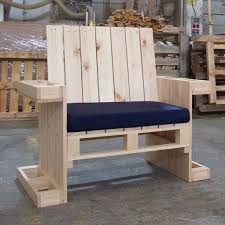 Low Cost Wooden Pallet Armchair With Cushion