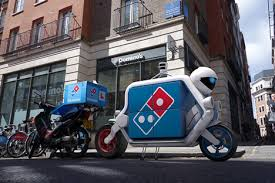 Dominos Self Driving Driverless Delivery Dezeen 01