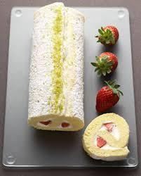 dessert pour 6 personnes biscuit roulé à la fraise pour 6 personnes recettes à table