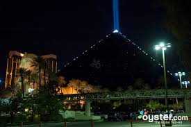 Luxor Casino Front Desk by The Luxor Las Vegas Oyster Com Hotel Reviews And Photos
