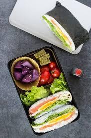 accessoire cuisine japonaise onigirazu vous connaissez c est un onigiri qui est présenté sous