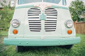 Cater Your Wedding With These Awesome Food Trucks