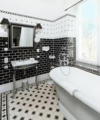 schwarz weiße fliesen badezimmer schwarz fliesen schwarz