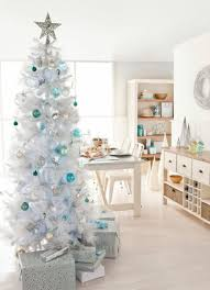I Love Christmas It Is My Very Favorite Time Of The Year Im Also A Little Bit Traditionalist When Comes To Decor None Those Pink Or