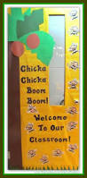 Kindergarten Winter Door Decorations by Best 25 Preschool Door Ideas On Pinterest Preschool Door