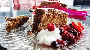 saftiger buchweizenkuchen mit schokolade karotten und apfel