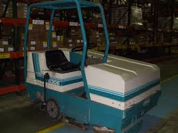 100 tennant floor scrubbers ontario warehouse cleaning