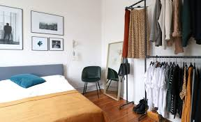 bedroom makeover eine neue kleiderstange fürs schlafzimmer