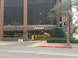 Ross Avenue Garage Parking in Dallas