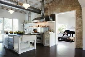 freistehende theke in offener küche bild kaufen