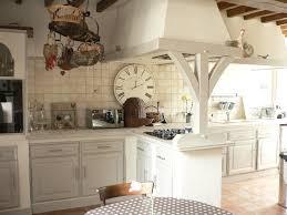 cuisine rustique chene cuisine en chêne repeinte avec eléonore déco cuisine
