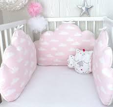 comment mettre un tour de lit bebe plus de 25 idées uniques dans la catégorie tour de lit coussin sur