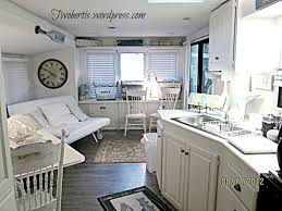 Camper Interior Decorating Ideas by You Want The Decor To Evoke The Idea Of Your Theme And Beach