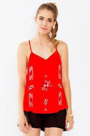 die besten 25 red cami tops ideen auf pinterest ernte shirt