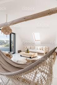 ethnische wohnzimmer mit hängematte stockfoto und mehr bilder beige