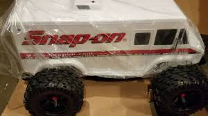 100 Truck Maxx HOLD UP Theres A Traxxas X SnapOn VAN VIDEO RC