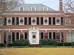 Outdoor Christmas Decorating Ideas Front Porch by Exterior Charming Christmas Decorating Idea Bright Red Ribbons