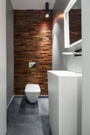 aluminium raumteiler in schwarz toilette mit holz