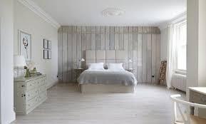 chambre en lambris lambris pvc chambre cheap lambris pvc line blanc brut grosfillex