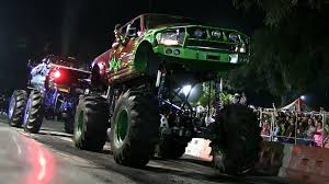 100 Truck Tug Of War S Gone Wild O In Orlando Orlando Sentinel