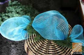 Christmas Tree Decorating Ideas Blue Mesh Ribbon Tied In A Bow