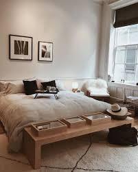 schlafzimmer in weiß schwarz und beige einrichtungsideen