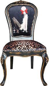 casa padrino barock luxus esszimmer stuhl leopard schwarz braun dame mit high heels designer möbel barockmöbel