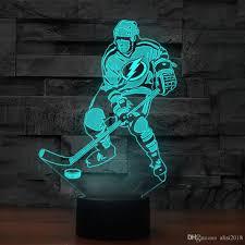 großhandel 3d eis hockey spieler modelling schreibtischle 7 farben ändern geführte nachtlicht baby schlaf licht sport ventilator schlafzimmer dekor