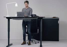 hauteur bureau ikea bekant le nouveau bureau à hauteur réglable ikea