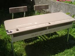 bureau d 馗olier ancien en bois 1 place table d écolier la déco de gégé