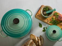 le creuset pots prices get discounts on le creuset pots at their factory to table