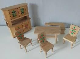 kleine bauernmöbel küche esszimmer holz bemalt puppenstube