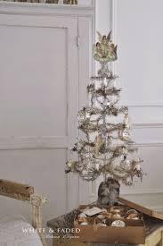 Evergleam Aluminum Christmas Tree For Sale by Best 25 Tinsel Tree Ideas On Pinterest Tinsel Christmas Tree