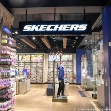 rideau shopping centre stores skechers performance apparel work out clothes