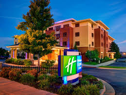 Holiday Inn Express & Suites Springfield Hotel by IHG