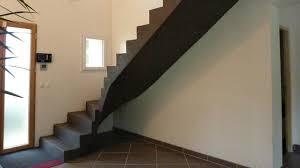 beton cire sur escalier bois plongez vous dans l univers du béton ciré décoratif