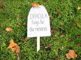 Diy Halloween Wood Tombstones by Halloween Tombstones To Diy For So Pretty Is As Pretty Does
