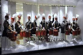 A Christmas Retail Display Window Appreciation Moment To Get You In The Holiday Spirit