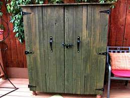 Build an Outdoor TV Cabinet