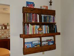 Furniture Neat Looking Diy Wood Pallet Bookshelf With White