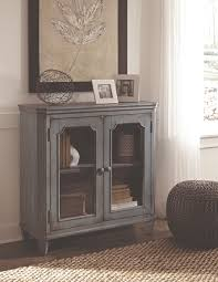 Mestler Side Chair By Ashley by Shabby Chic U0027s Faded Elegance Ashley Furniture Homestore