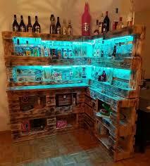 beleuchtete bar aus paletten bar aus paletten bar bauen